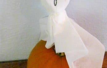 Frugal Halloween Craft: Halloween Tissue Ghosts