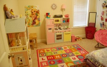 Mission Complete: Rearranging and De-cluttering Daughter's Room (Photos!)