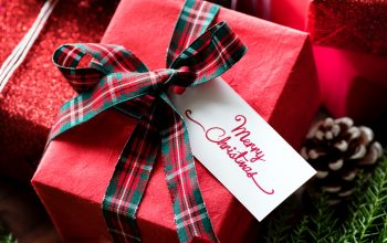7 Ways to Save Money on Gifts this Holiday Season